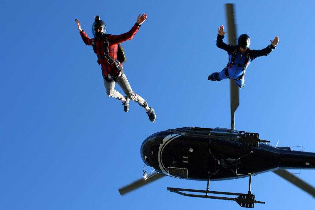 Flights Experiences - Parachutist Drop - Mont Blanc Hélicoptères Megève